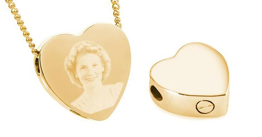 Keepsake Jewellery has cremation memorial pendants that can hold a pinch of ashes.
