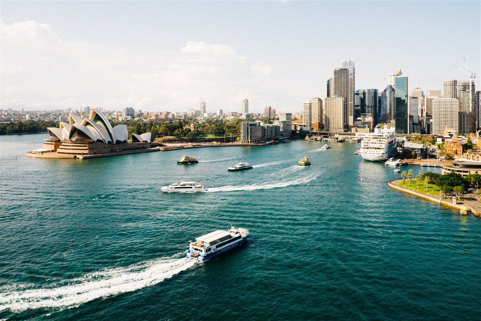 ashes scattering by Sydney Harbour boat charter
